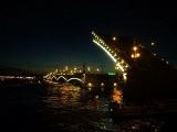 Развод Троицкого моста в Питере напротив ФСБ 07.2011г.